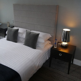 New Bath Hotel bedroom