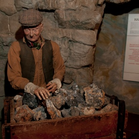 credit-linda-bussey-peak-district-mining-museum-1
